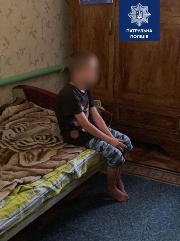 """""""Здивувало навіть нас"""": патрульний розповів про порятунок 7-річної дитини на ланцюгу"""