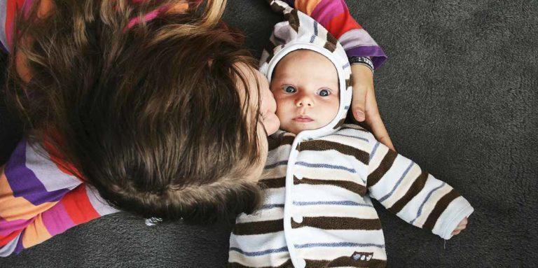 «А немовля вам непотрібне?» – запитала мене дівчинка з дитиною у руках