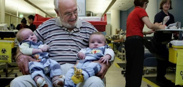 Людина з унікальною кров'ю врятувала 2,4 млн немовлят: неймовірна історія Джеймса Харрісона