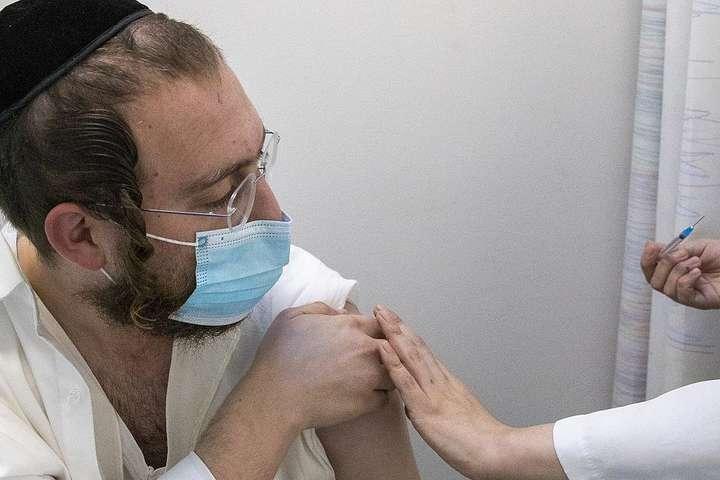В Ізраїлі третє щеплення стало обов'язковим для отримання Covid-паспорта
